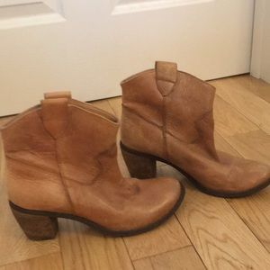 leather ankle bootie - Diba brand